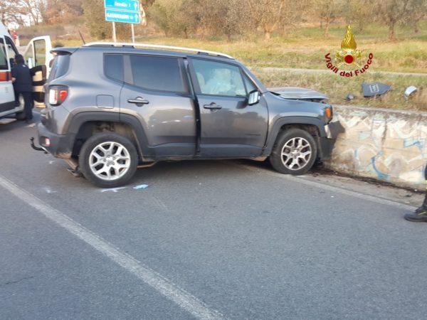Photo of Incidente sulla strada del Puntone: sbatte con l'auto contro un muro e muore