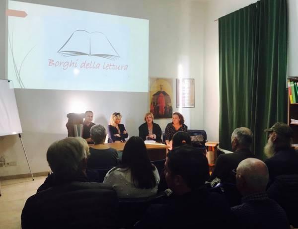"""Pari è il primo """"Borgo della lettura"""" in Toscana"""