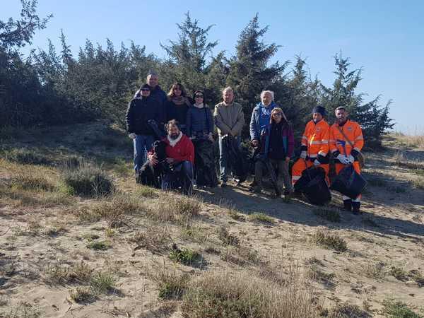 """Spiagge più pulite grazie agli """"Amici delle dune"""": al via il progetto di Comune, Proloco e associazioni"""