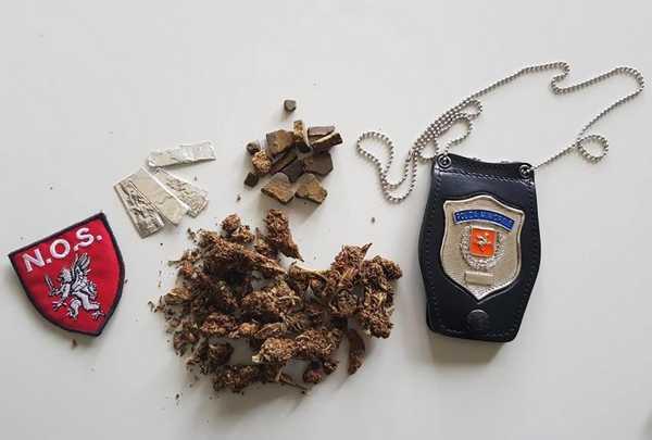 Controlli a tappeto della Municipale sulle Mura: droga sequestrata, un uomo denunciato