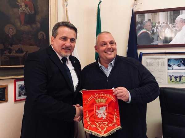 """Il Coordinamento nazionale cittadini romeni fa visita al sindaco: """"Grosseto è la nostra casa"""""""