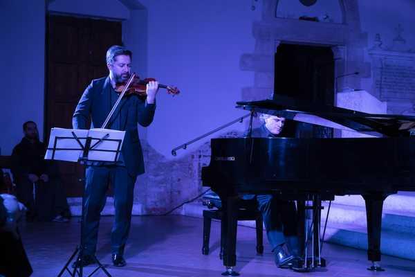 "Photo of ""Concerto al buio"": Gianluca Casalino e Davide Alogna incantano il pubblico"