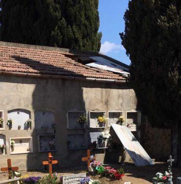 """Verso le amministrative, Gambassi: """"Ossa in bella vista al cimitero, il Comune non rispetta i defunti"""""""