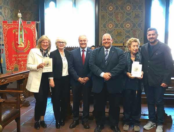 """Photo of """"Baracca"""": il libro donato al Polo universitario dall'associazione Arma di Cavalleria"""