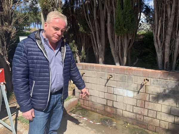 """Case dell'acqua, Forza Italia: """"L'acqua deve essere gratis, perchè il Comune ha lasciato le fontanelle?"""""""