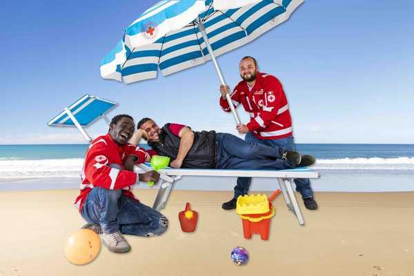 """Photo of """"Tutti in spiaggia"""": parte la raccolta fondi della Croce Rossa per un mare senza barriere"""