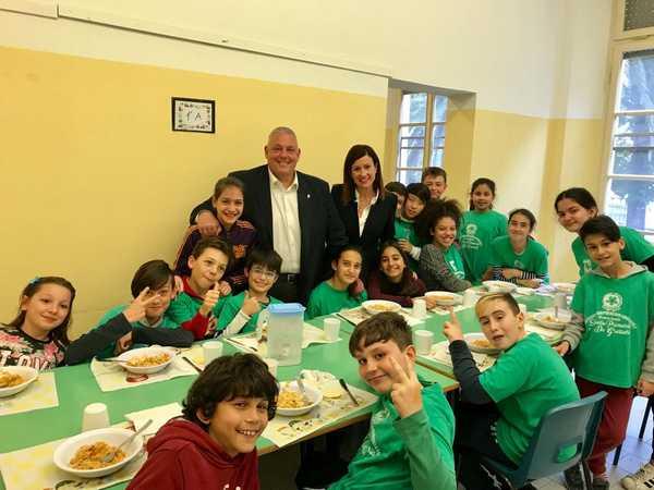 """""""Tutti a tavola, tutti insieme…"""": la Settimana della celiachia entra nelle scuole"""