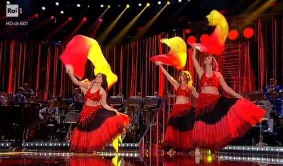 """La danza del ventre del """"Sinfonika Oriental Group"""" dalla Maremma alla Corrida"""