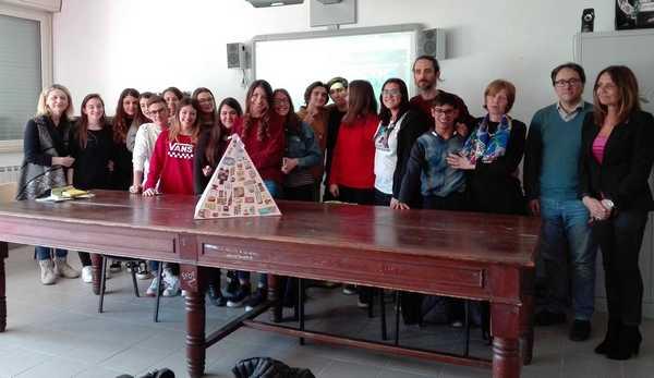 """""""Giovani, alcol e stili di vita"""": premiati gli studenti del Rosmini per il concorso di idee"""
