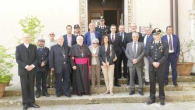Photo of Pitigliano diventa capitale del dialogo: due giorni di incontri su cultura e identità dei popoli