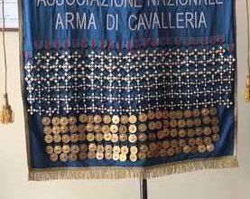 Photo of Il Medagliere nazionale dell'Arma di Cavalleria alla cerimonia del Savoia