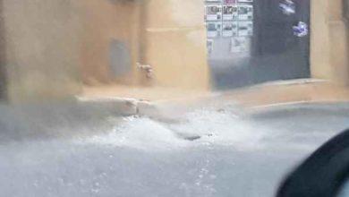 Photo of Nubifragio in paese: bomba d'acqua fa saltare i tombini, strade allagate