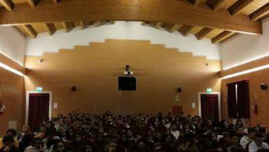 Photo of Santa Fiora ricorda Andrea Camilleri: tanti studenti alla cerimonia a teatro