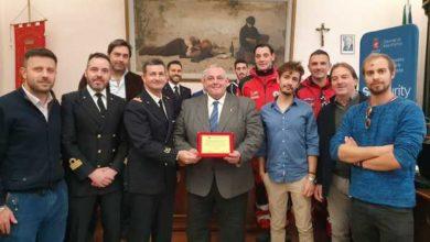 Photo of Bagnini eroi: il Comune premia chi ha salvato una vita. Tutti i nomi