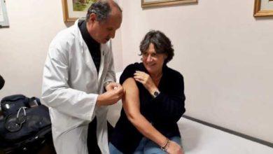 Photo of Influenza: l'assessore Stefania Saccardi si è vaccinata e invita i toscani a fare altrettanto
