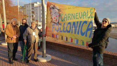 Photo of Follonica: rubata la bandiera simbolo del Carnevale, era issata nei pennoni di piazza a Mare