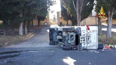 Photo of Scontro tra due furgoni sulla strada del cimitero: una persona ferita