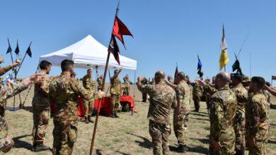 Photo of Lancio dei paracadutisti e carica: il Savoia Cavalleria celebra 328 anni dalla nascita