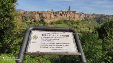 """Photo of Una targa per chi ha portato l'elettricità a Pitigliano, i 5 Stelle: """"Paese esempio di integrazione"""""""